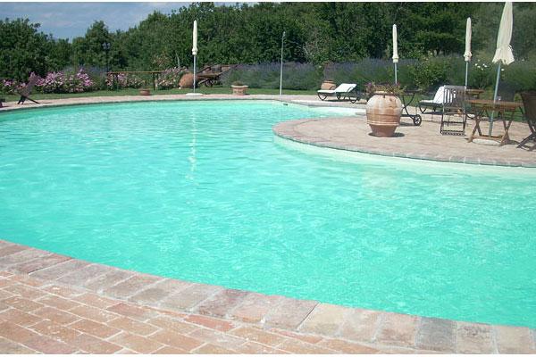 canticonatura-piscina